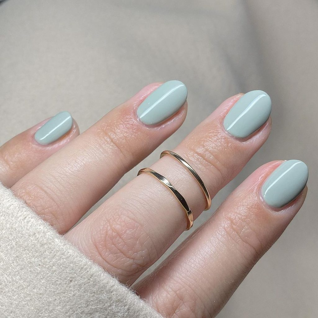 glossy mint spring nails